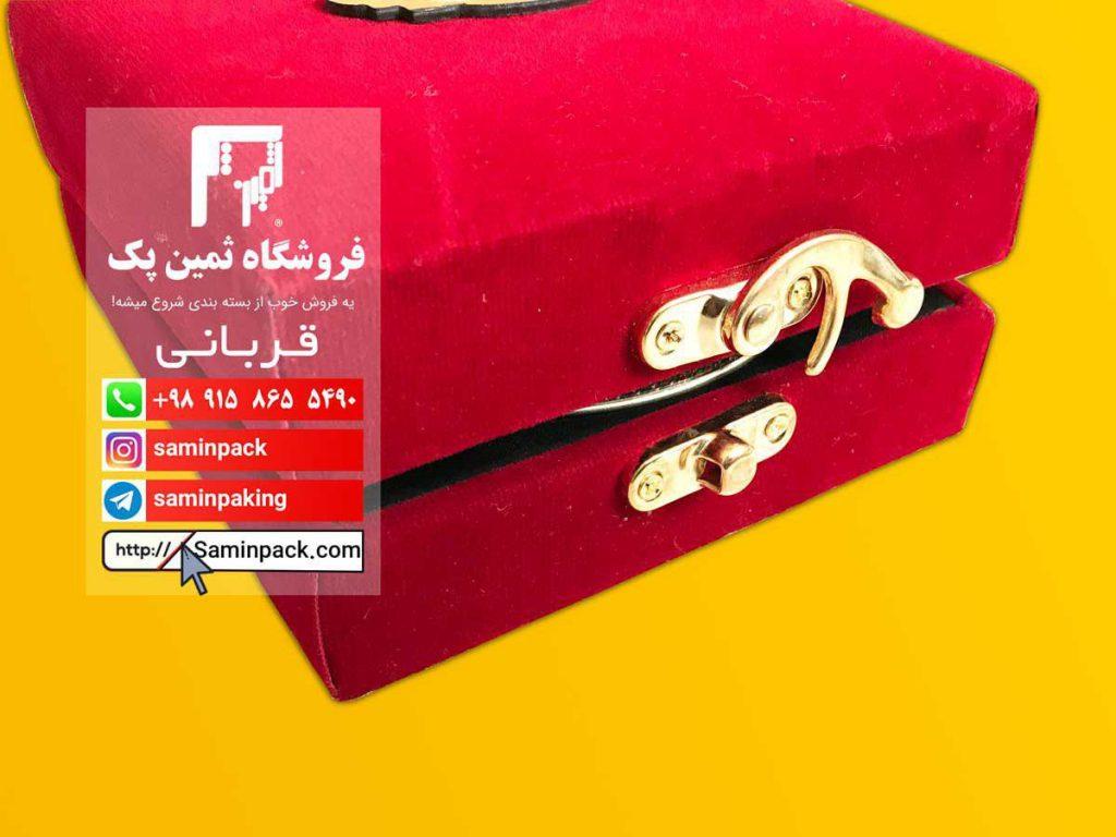 نمای نزدیک جعبه زعفران